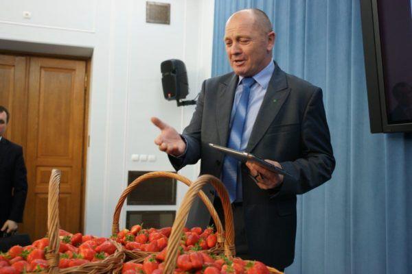 Prezentacja najlepszych polskich truskawek wSejmie RP